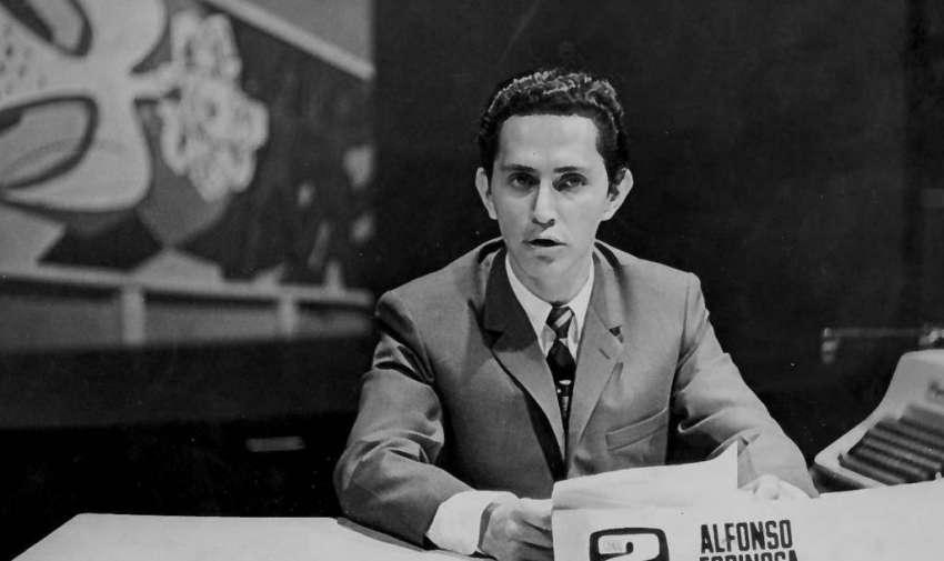 """Alfonso Espinosa de los Monteros Rueda es un presentador de noticias ecuatoriano, vicepresidente de noticias de Ecuavisa en Quito. Posee el Record Guiness como """"Anchor de noticias con más años al aire ininterrumpidamente"""". Foto: Archivo"""