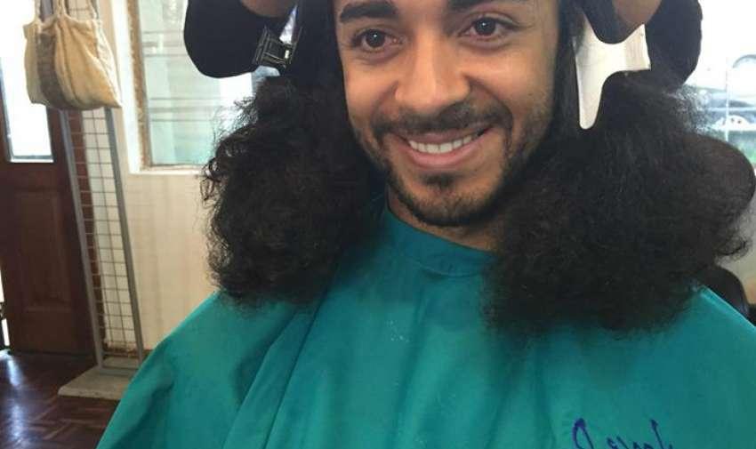 Kael tiene un cabello muy díficil de desenredar