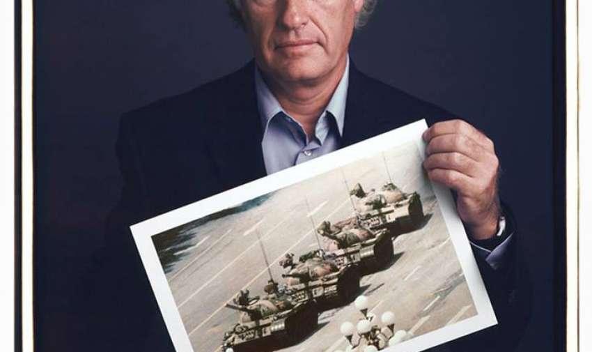 Jeff Widener  Beijing 1989. Fotografía tomada momentos antes de que tuviera lugar la masacre de la plaza de Tiananmen, de la que poco más se sabe 25 años después.