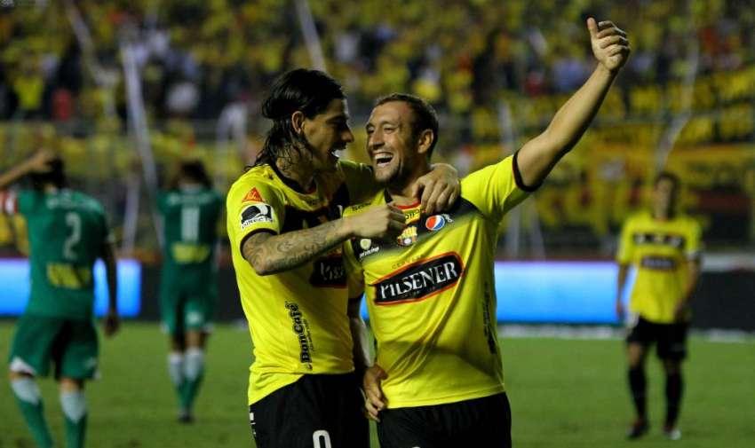 El festejo de sus jugadores en el estadio Monumental. Foto: API