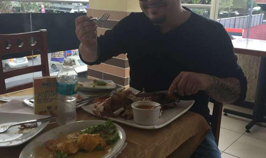 Elías fue el que más disfrutó el reto...y la comida.