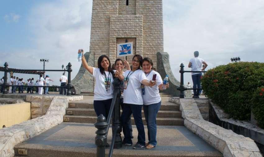 El día de hoy 3 de marzo, los empleados de Ecuavisa, tuvieron una 'Caminata por lo Salud', actividad organizada por el área de recursos humanos con el fin de mejor la salud de sus colaboradores. Foto: Ecuavisa