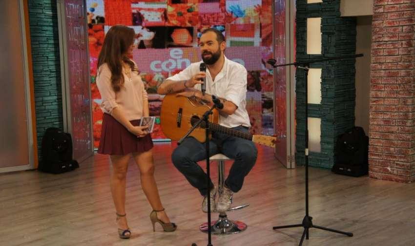 Durante su visita en el programa En Contacto. Foto: Ecuavisa