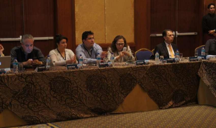 Durante la charla de Ajustes de estatutos  de la AlianzaI Informativa Latinoamericana. Foto: Ecuavisa