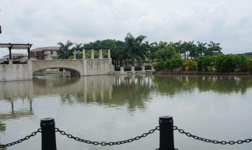 Plaza Lagos Town Center, un espacio unico en el que renace la belleza arquitectonica y natural de nuestra ciudad, integrando locales comerciales y zonas al aire libre. Foto: Ecuavisa