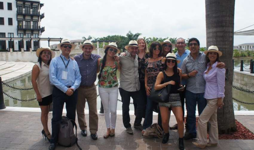 Parte del grupo AIL en el almuerzo organizado por Ecuavisa. Foto: Ecuavisa