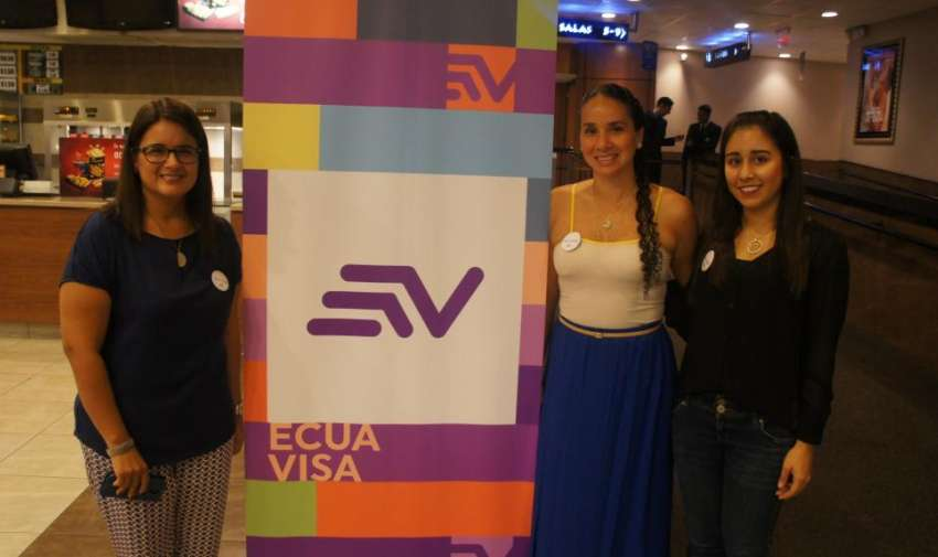 Invitados y colaboradores del canal en el Avant Premier de Visión 360 en su segunda temporada. Foto: Ecuavisa.