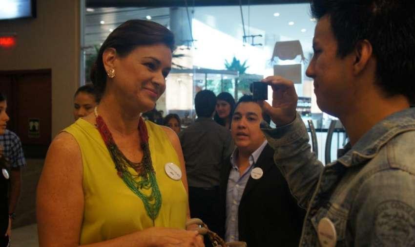 Periodistas invitados al gran estreno de la segunda temporada de Visión 360. Foto: Ecuavisa.