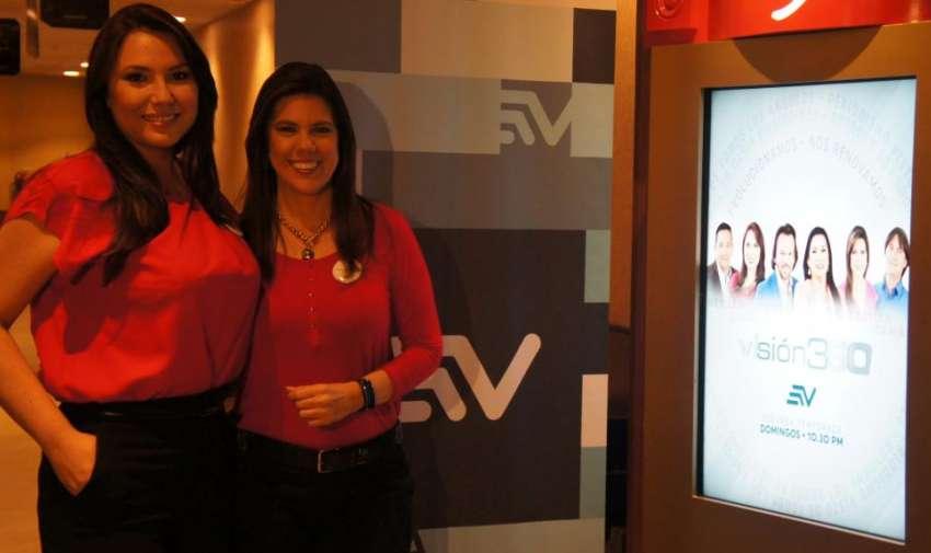 María Cecilia Largacha y Carolina Mella, antes de entrar a la sala de cine donde se proyectó el Avant Premier del primer programa de Visión 360. Foto: Ecuavisa.