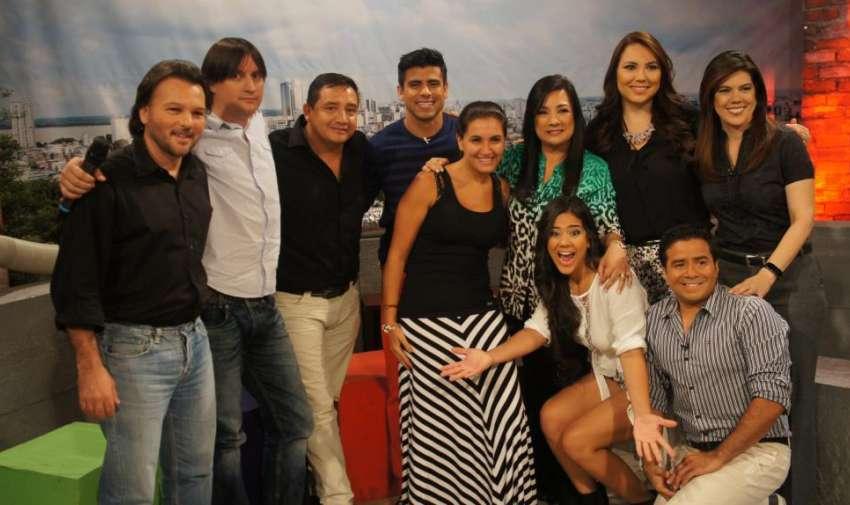 El equipo de Visión 360 junto a Catrina Tala, Henry Bustamante, Efraín Ruales y Michela Pincay. Foto: Ecuavisa