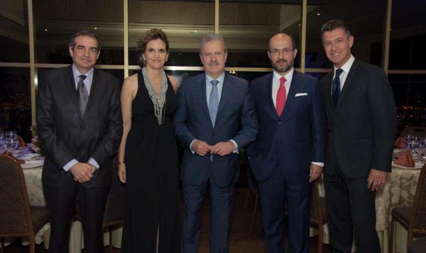 Periodistas y directivos de Ecuavisa duranre la premiación de los premios Enex. Foto: Mauricio Torres