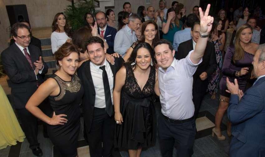 Periodistas y directivos de ecuavisa duranre la premiación de los premios Iris. Foto: Mauricio Torres