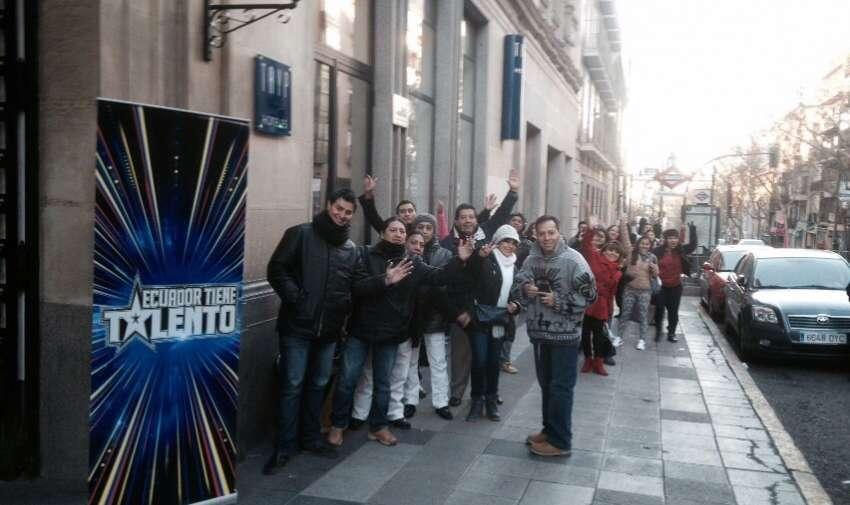 Multitudinaria convocatoria en el casting de ETT4, realizado en la ciudad de Madrid, España. Foto: Ecuavisa