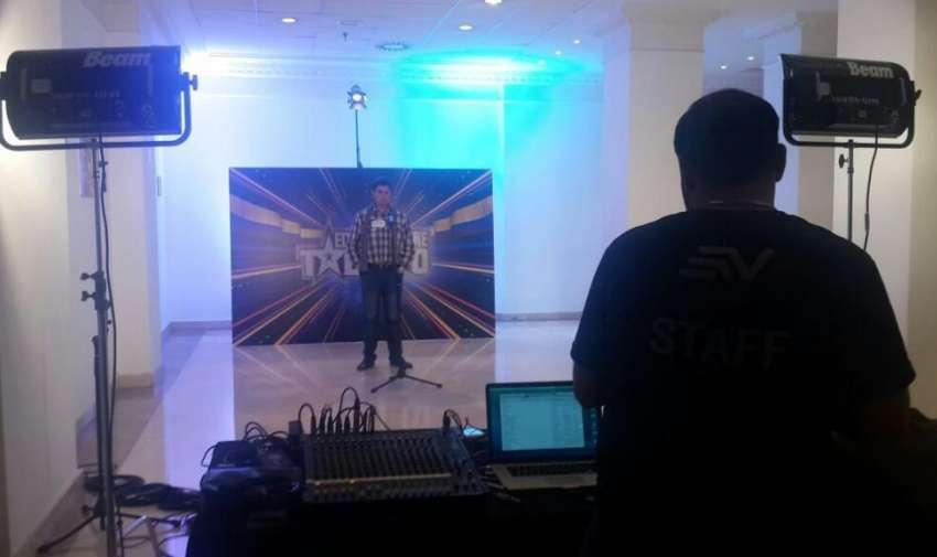 Durante el casting de ETT4, realizado en España. Foto: Ecuavisa