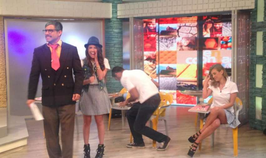 Los chicos del reality Yingo, fueron invitados a la escuelita de En Contacto. Foto: Ecuavisa