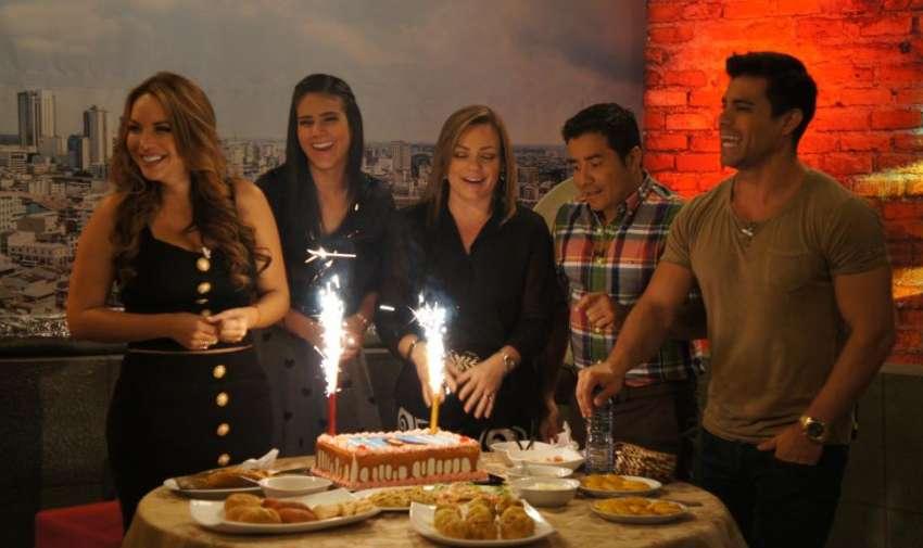 En Contacto celebra el cumpleaños de Ericka Vélez. Foto: Ecuavisa