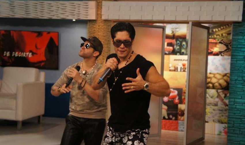 'Me voy enamorando' es el nuevo tema musical de Chino y Nacho. Foto: Ecuavisa