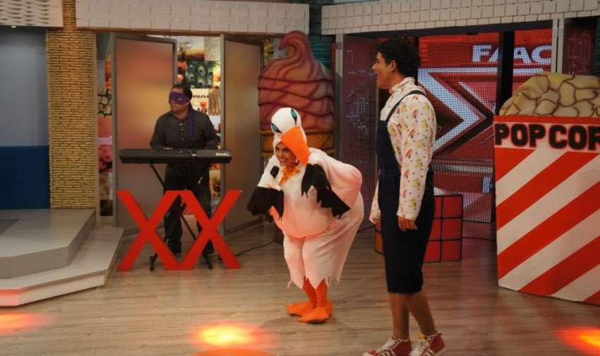 Cecilia Cascante interpretando una canción de Xuxa. Foto: Ecuavisa