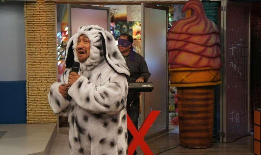 Aladino, el mago de la rockola, también quiso demostrar que posee el Factor X. Foto: Ecuavisa
