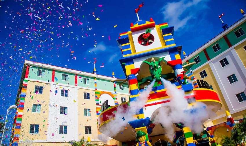 Legoland Florida es un parque temático Legoland, situado en Winter Haven, Florida, Estados Unidos inaugurado a finales del 2011.