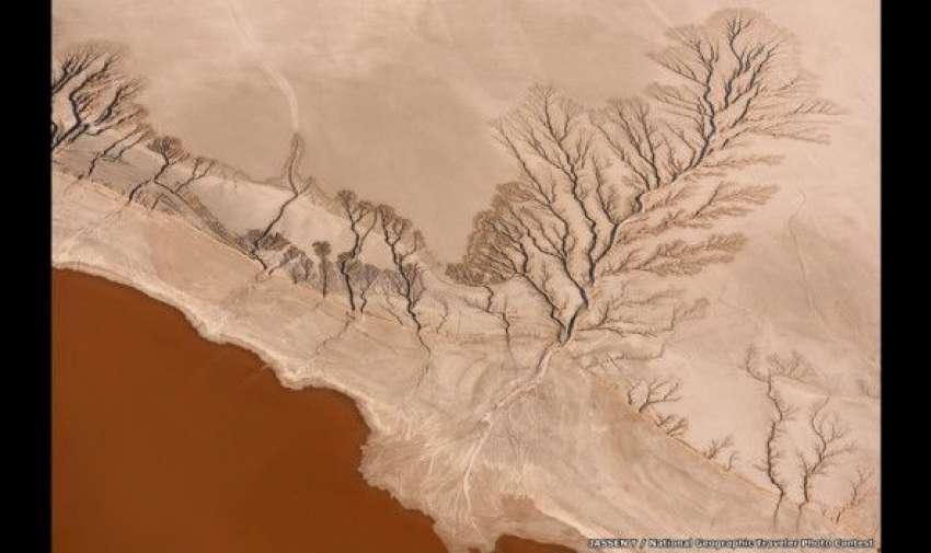 Jassen T. captó esta imagen aérea en el remoto lago Koehn, en el desierto Mojave de California, Estados Unidos. BBC