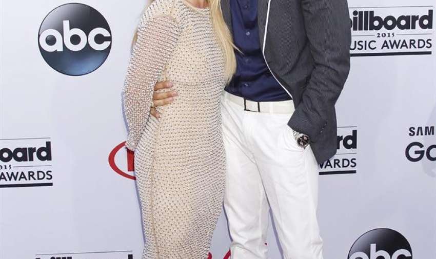 La Cantante Britney Spears (L ) y su novio Charlie Ebersol llegar para los Premios Billboard de la Música 2015 en el MGM Grand Hotel and Casino en Las Vegas , Nevada, EE.UU. EFE