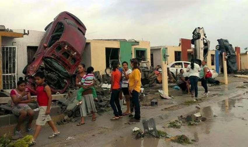 Fotografía de los daños ocasionados por un tornado en la madrugada en Ciudad Acuña, norte de México.  EFE
