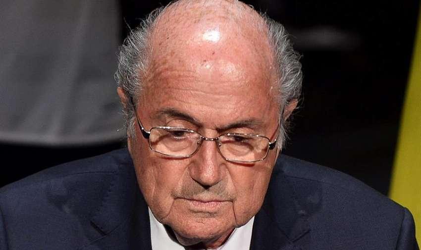 """El presidente de la FIFA, Joseph Blatter da un discurso durante el 65 Congreso del organismo en Zúrich, Suiza hoy 28 de mayo de 2015. Blatter, aseguró que """"no hay sitio para la corrupción de ningún tipo"""" en la organización que dirige desde 1998, y que """"es necesario empezar a restaurar la confianza"""". EFE"""