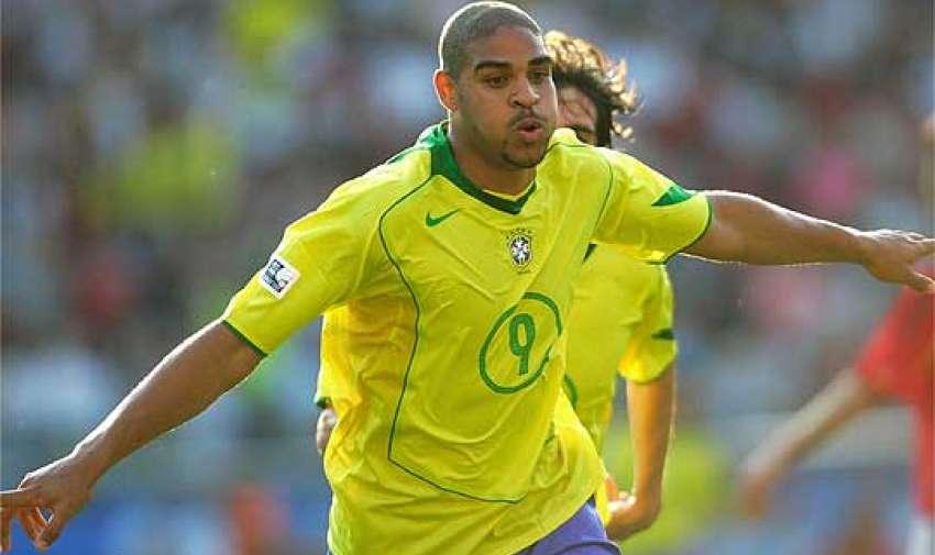 Adriano jugador de Brasil fue goleador de la Copa América 2004 con 7 goles.
