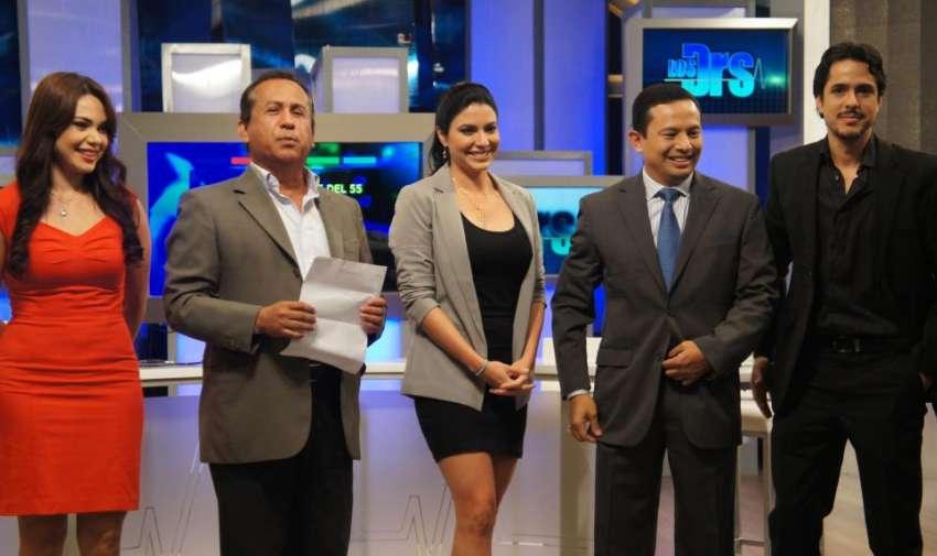 Durante el estreno del primer programa de Los Doctores. Foto: Ecuavisa