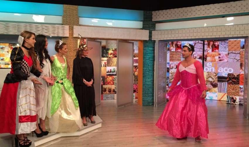 Como deseo especial, Michela pidió un desfile Disney y sus compañeros tuvieron que disfrazarse de princesas. Foto: Ecuavisa