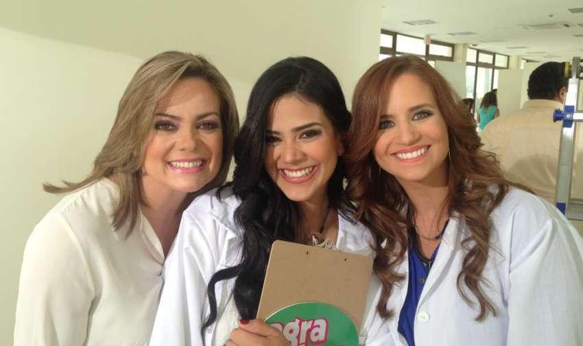 """Úrsula Strenge, Michela Pincay y Andrea Rendón durante la grabación de la campaña """"Anti-Ño"""". Foto: Ecuavisa"""