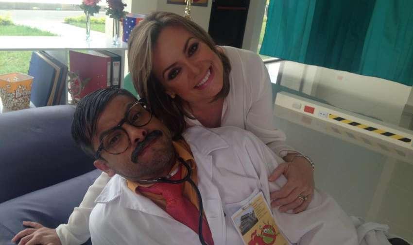 Úrsula Strenge y Efraín Ruales, presentadores de En Contacto. Foto: Ecuavisa