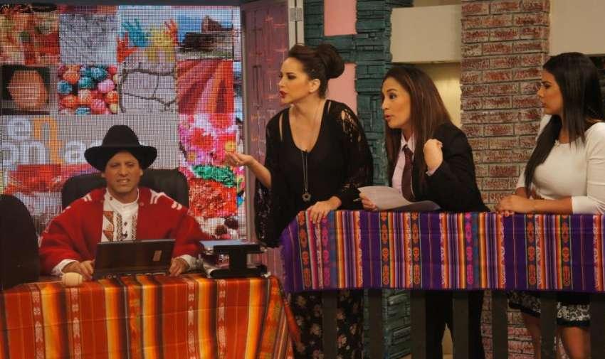 Mónica, Érika y Michela defendiendo el contenido de su segmento. Ecuavisa