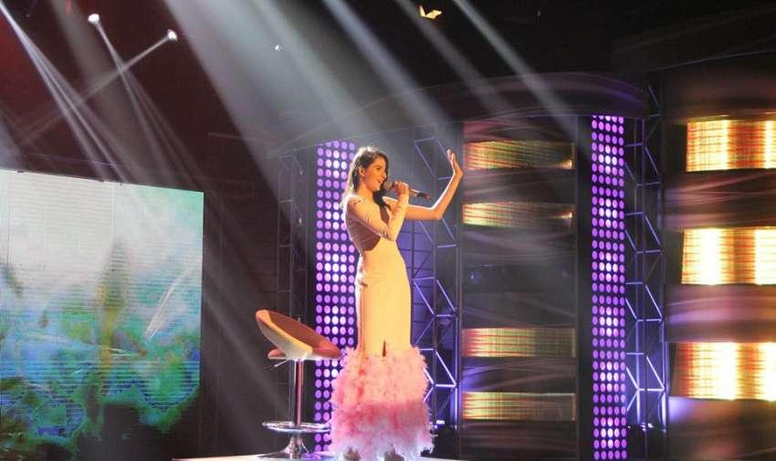 Hermosa voz de Adriana en la gala de Factor X.