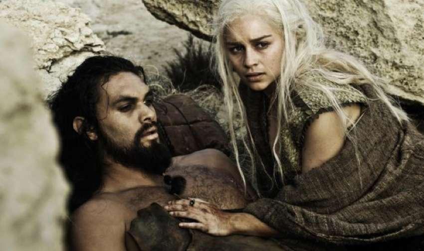 Khal Drogo muere en la temporada uno.