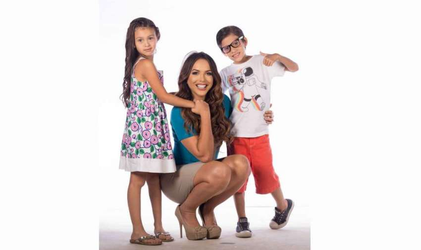 Carla Galindo es padre y madre de 2 maravillosos niños.