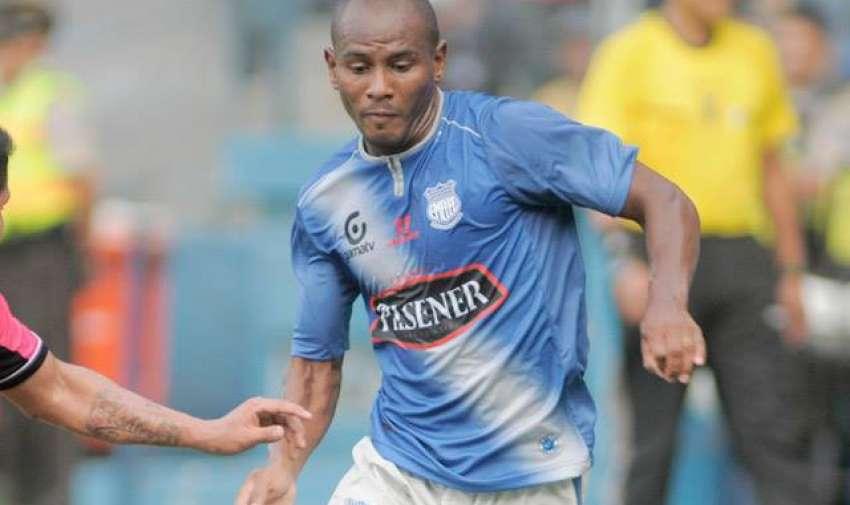 El lateral llegó en 2011 a Emelec y se convirtió en capitán y figura.