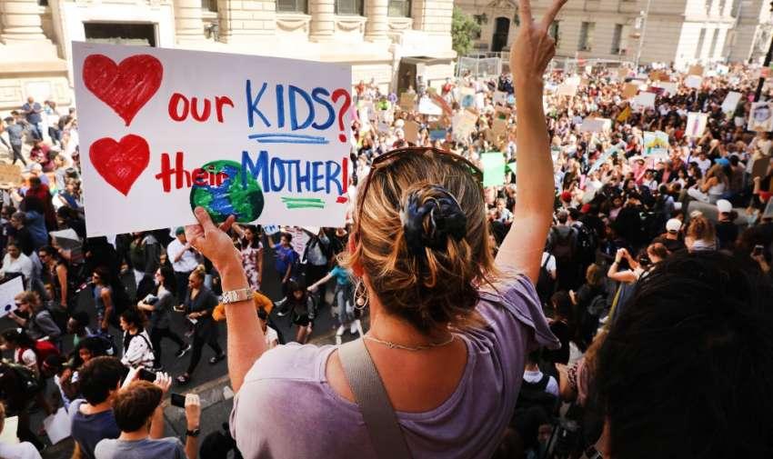 Los jóvenes de grandes ciudades respondieron masivamente a la convocatoria lanzada por Greta Thunberg. Foto: AFP
