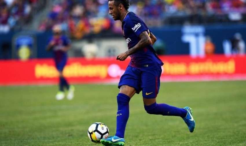 Neymar es pretendido por el Paris Saint Germain según medios internacionales. Foto: AFP
