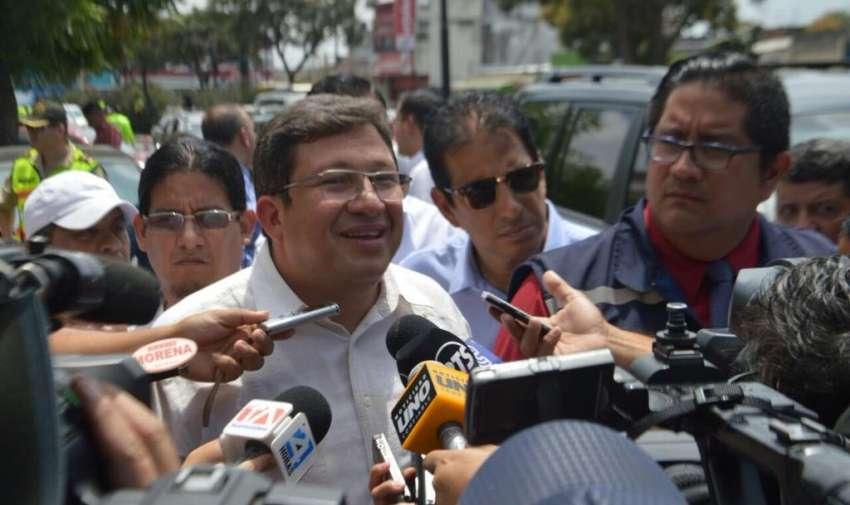 GUAYAQUIL, Ecuador.- César Navas informó también que desconocía de la entrega voluntaria de Pareja Yannuzzelli. Fotos: Twitter Ministerio del Interior.