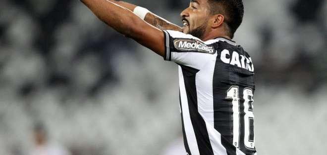 Aguirre, uruguayo que milita en Botafogo