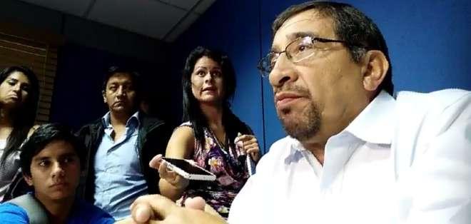 De la Torre critica a Jara por informar sobre Castillo