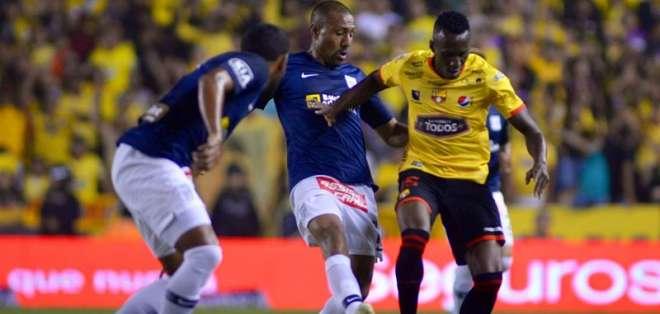 El jugador peruano impresionó a la dirigencia amarilla en los dos amistosos. Foto: API