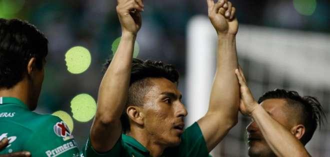 Los ecuatorianos hicieron el segundo y tercer gol ante Pumas de la UNAM. Foto: GUSTAVO BECERRA / AFP