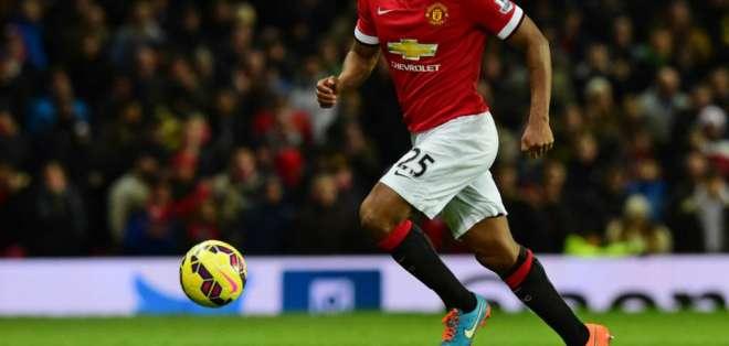 El 'Toño' disputando un cotejo para el United.