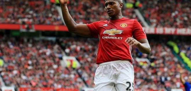 Antonio Valencia, capitán del Manchester United.