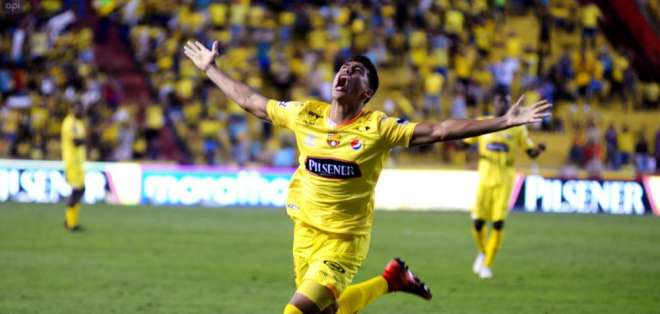 Xavier Arreaga, defensor ecuatoriano.