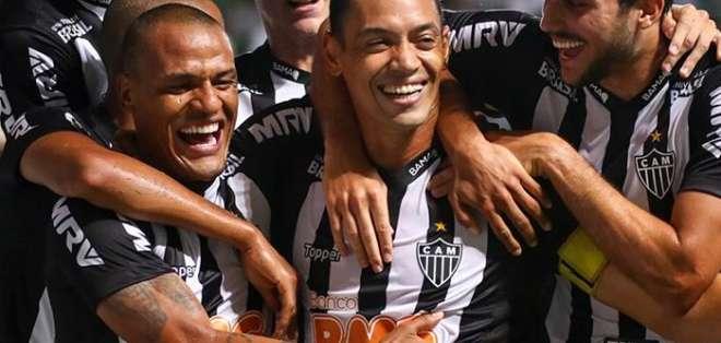 Atlético Mineiro festeja uno de sus tantos de local.