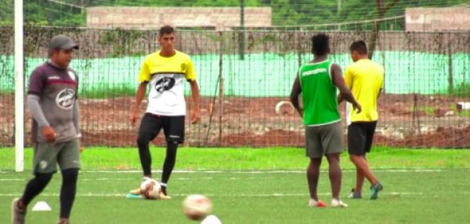 Los futbolistas de Toreros FC tampoco practicaron por el mismo motivo. Foto: Tomada de @FormativasBSC